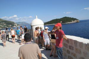 walls wars dubrovnik walking tour